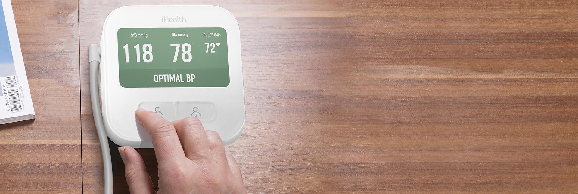 Il nuovo WIFI monitor della pressione sanguigna collegato allo schermo.